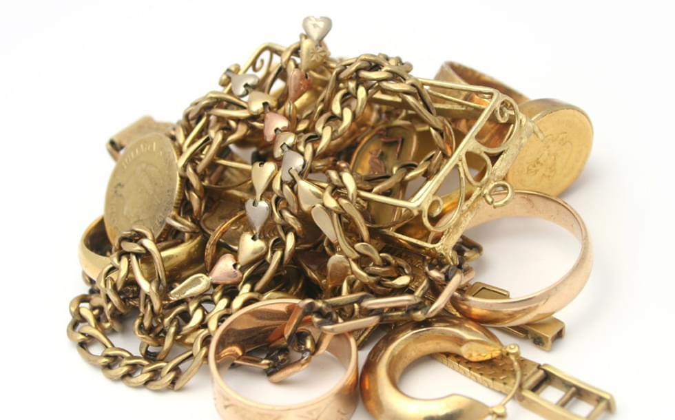 Где можно сдать старое золото